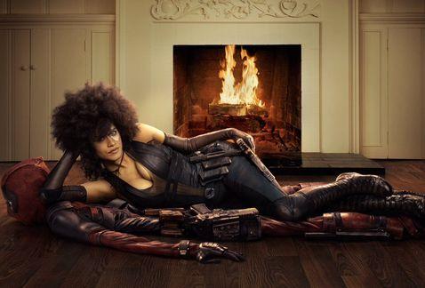 Revela Ryan Reynolds primera imagen de Domino
