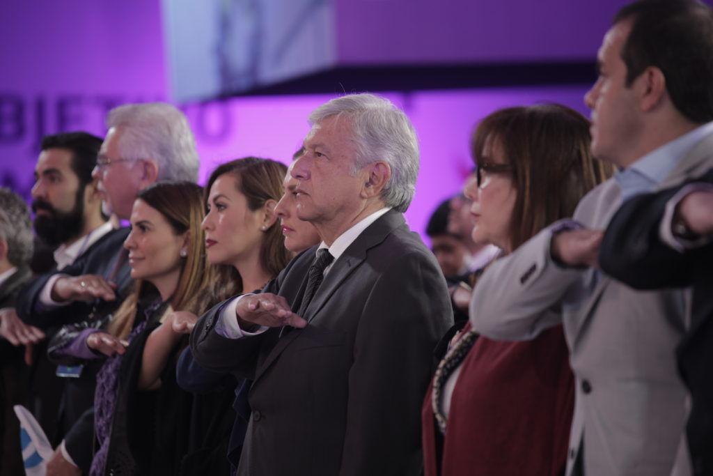 Critica Meade la propuesta de 'Constitución Moral' de AMLO