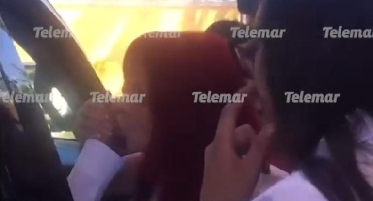 Sansores se decanta por AMLO y le besa la mano