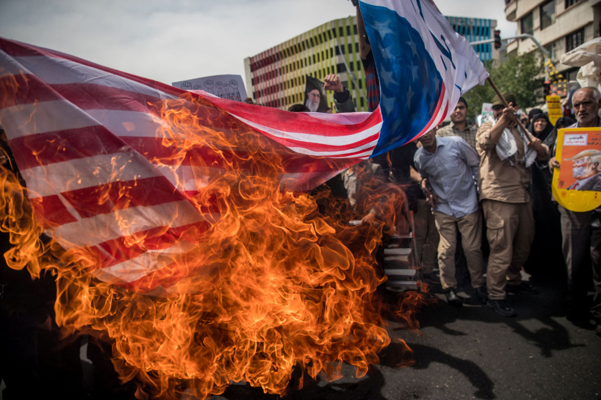 Iraníes protestan contra EEUU por salida de acuerdo nuclear ...