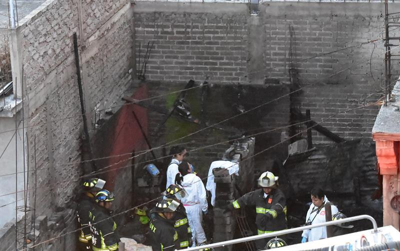 Mueren siete niños en incendio en Iztapalapa
