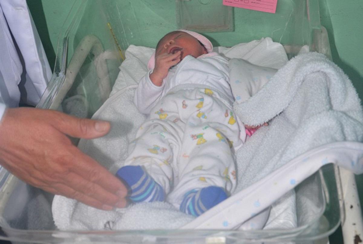 Enfermera confiesa haber intercambiado bebés por diversión